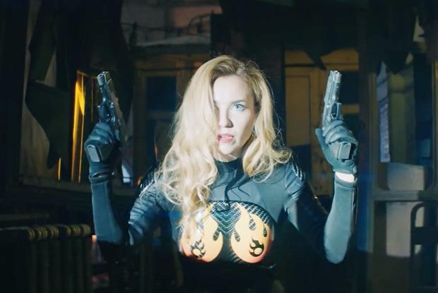 Крушение российского Ан-26, алкогольная Coca-Cola и клип «Ленинграда» про супергероиню