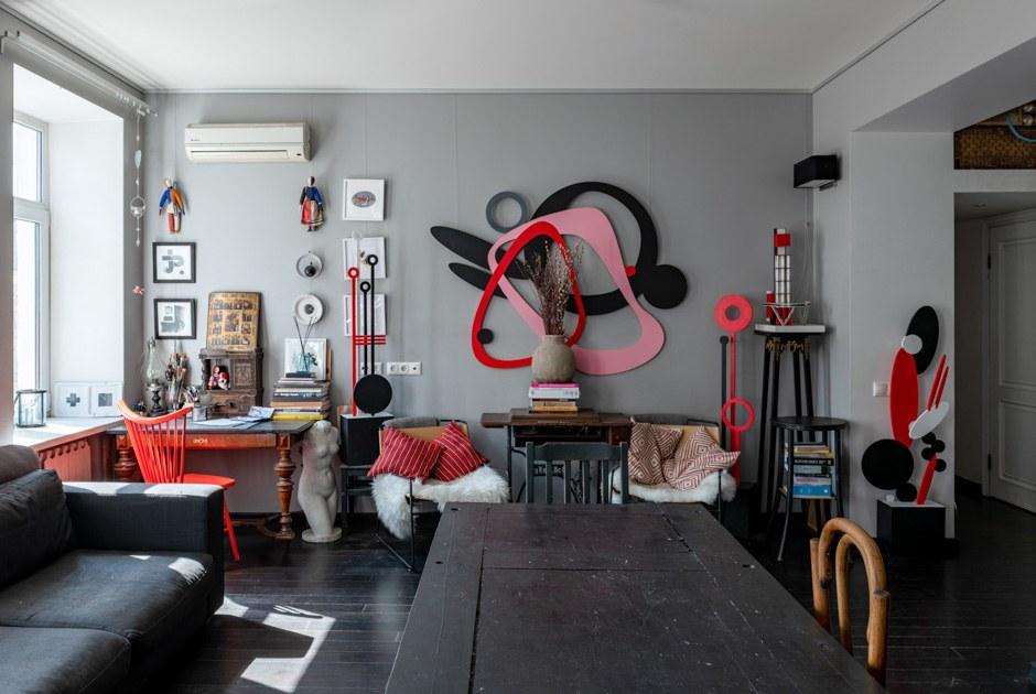 Арт-объекты, иконы ирусский авангард. Как живет семья художников вцентре Москвы