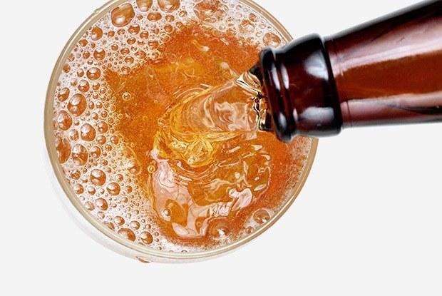 Как правильно наливать пиво вбокал