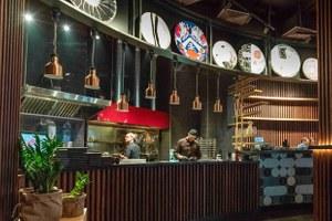 «The Bazar»: Понятная еда в гастрономической подаче Ильи Захарова