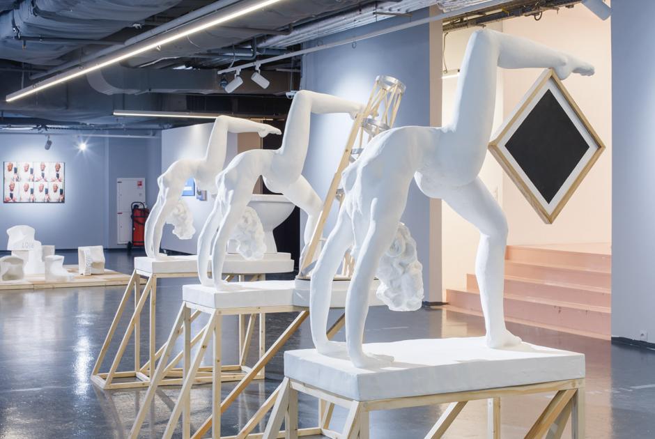 Тиктокеры против галеристов: что TikTok делает с современным российским искусством?