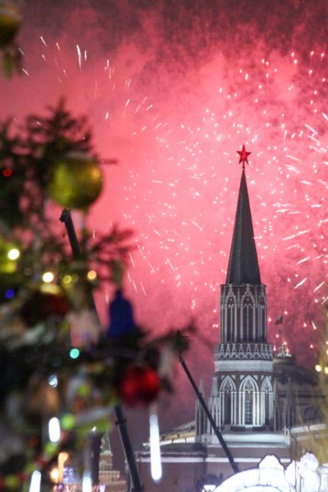 Сколько россияне планируют потратить вновогодние праздники