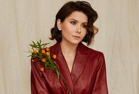 Women like flowers: совместный проект The Village и Select Studio