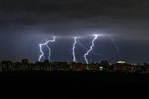 «Вечеринка у Зевса»: Сильный ливень сгрозой ночью вМоскве