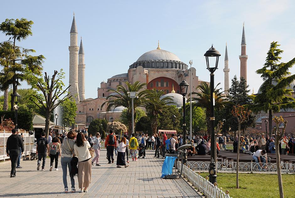 Отдохнуть в Турции на майские не получится. Что делать?