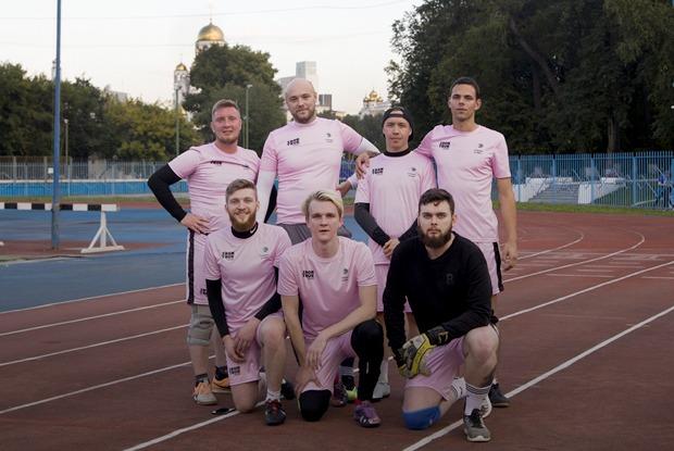 «Стакан и мяч»: Кто и почему играет в любительский футбол в Екатеринбурге