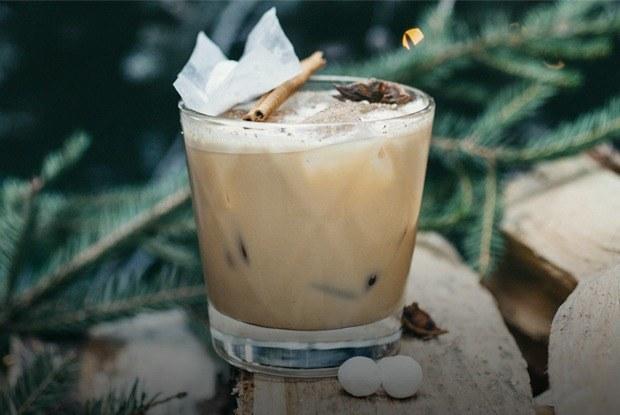 Три простых и быстрых коктейля для новогодней вечеринки