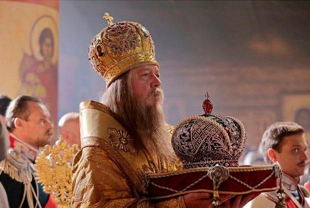 Христианское государство: Ктоугрожает сжечь кинотеатры из-за«Матильды»