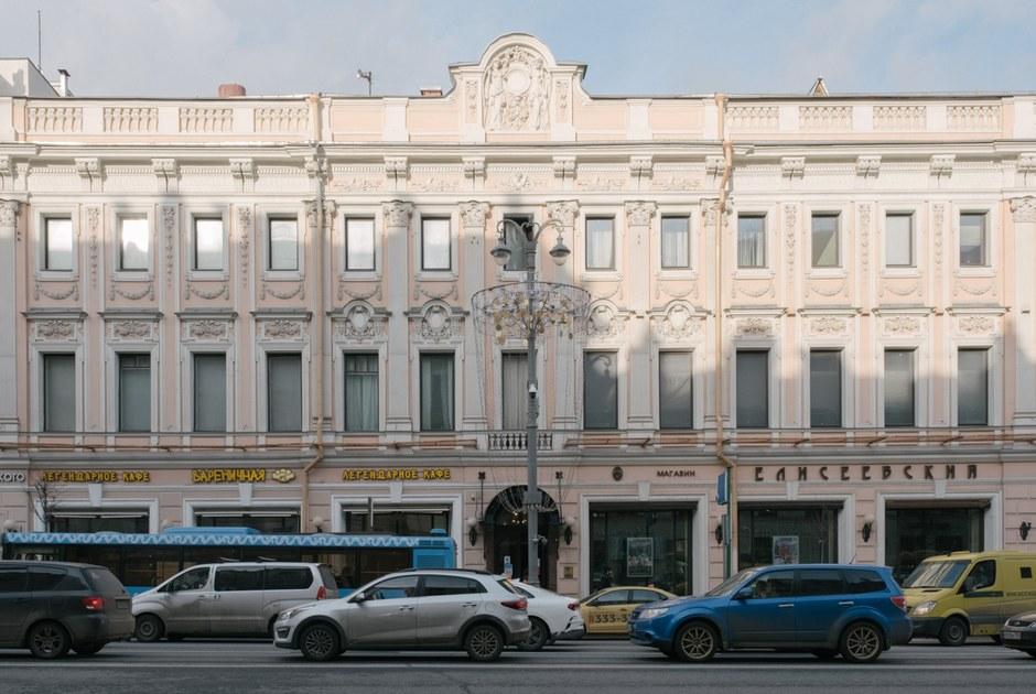 «Елисеевский» магазин, который оказался никому ненужен