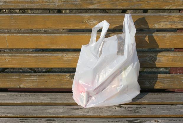 Пакет спакетами: Как вЕвропе отказываются отпластика