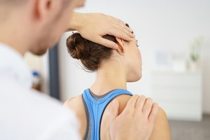 Как заботиться о позвоночнике и суставах в 20, чтобы потом не было больно