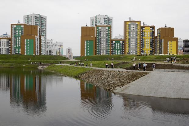 Как в Академическом идет строительство Преображенского парка и набережной
