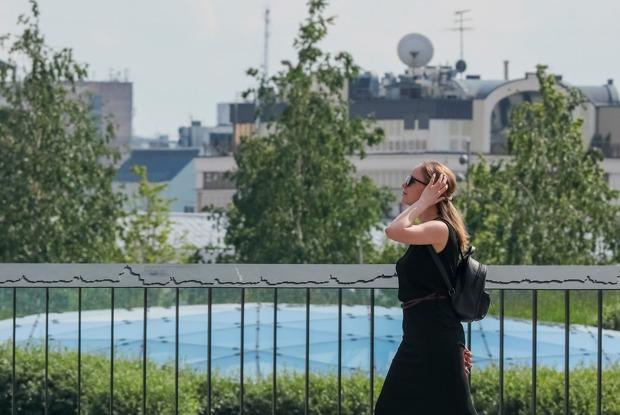 Москва выходит изкарантина. Нужноли носить маски икогда открываются рестораны?