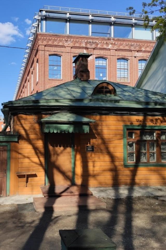 Намузее-усадьбе Льва Толстого появились трещины из-за строительства бизнес-центра рядом
