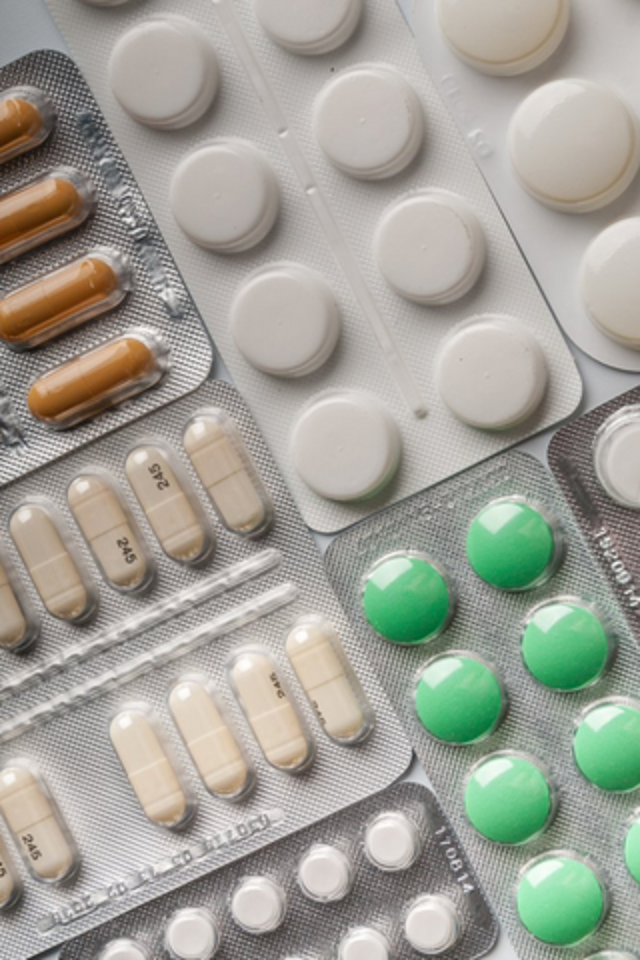 Разрешить повышение цен нанекоторые жизненно важные лекарства