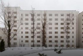Я живу в доме-коммуне наулице Орджоникидзе