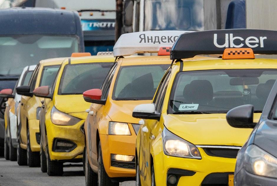 «Боюсь, мывернемся кзаказам сруки»: Таксисты— оновой системе регистрации водителей