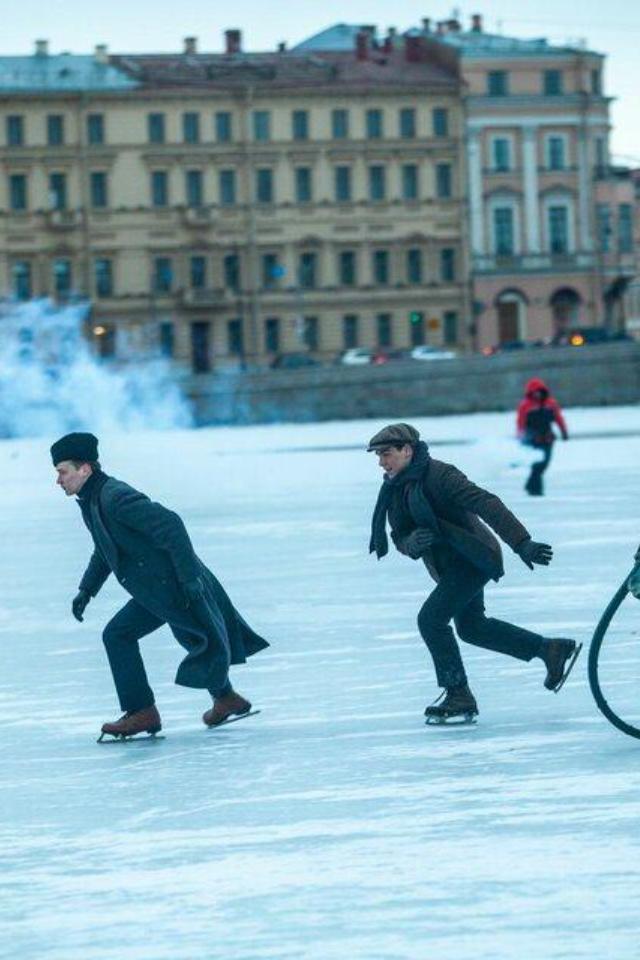 Мелодрама «Серебряные коньки» станет первымроссийским фильмом под брендом Netflix Originals