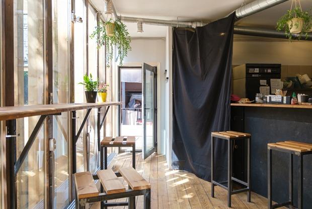 Кто и как открывает небольшие веганские кафе в Петербурге