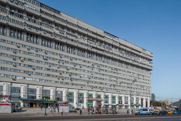 Как живётся всамых необычных домах Москвы иПетербурга