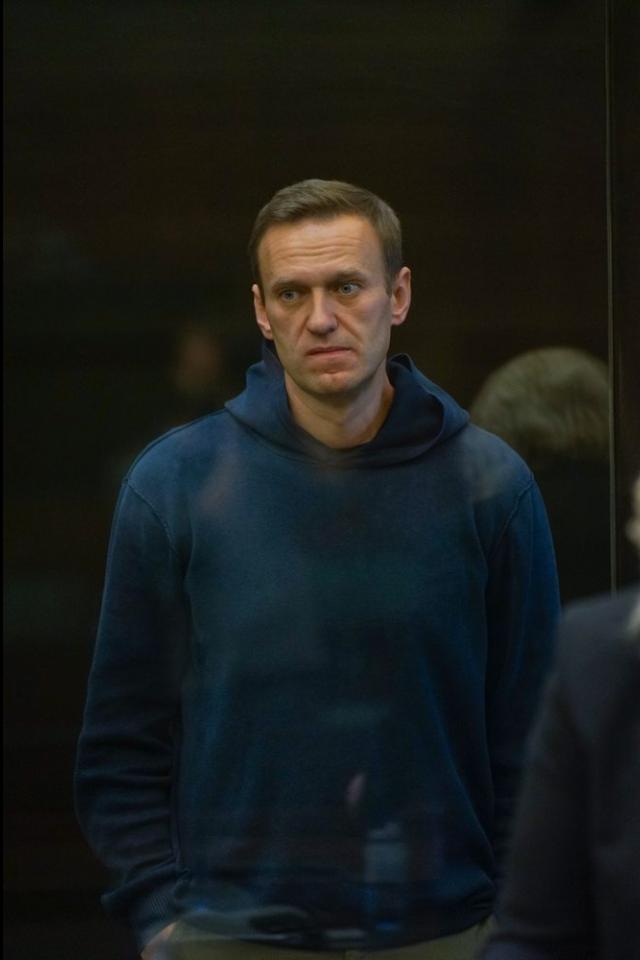«Как вкино окосмосе». Алексей Навальный— ожизни вСИЗО