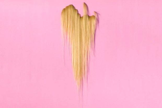 Первый сеанс вGarage Screen, канун Вальпургиевой ночи ивыставка «Моя прелесть. Волосы»