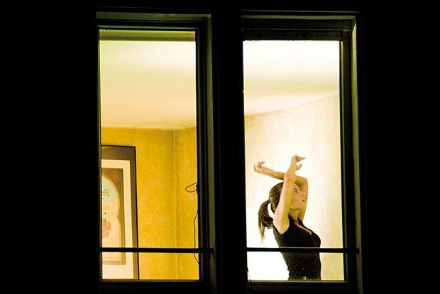 «Смешно дрыгаюсь висториях винстаграме»: Очем говорят участники спектакля «Домашние танцы»