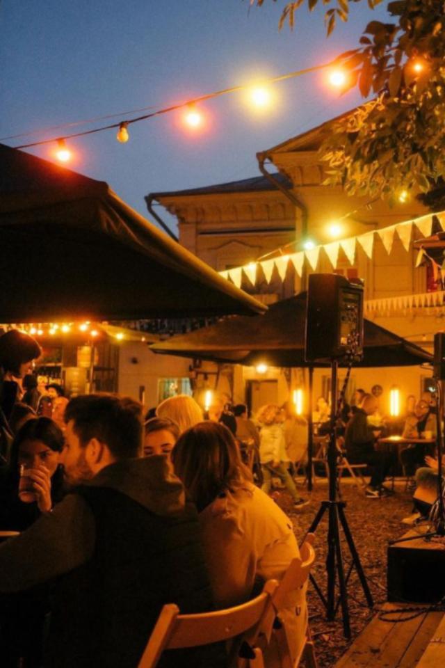 Powerhousе отменил вечеринку в честь дня рождения студии подкастов «Либо/Либо»