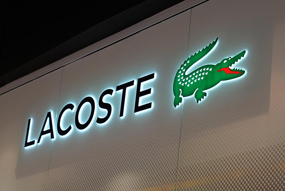 Покупателям российского магазина Lacoste неотправляют заказы. Вответ нажалобы всоцсетях ихзабанили