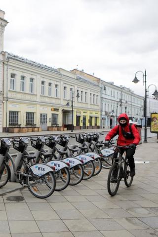 Работу велопрокатов вМоскве продлили додекабря